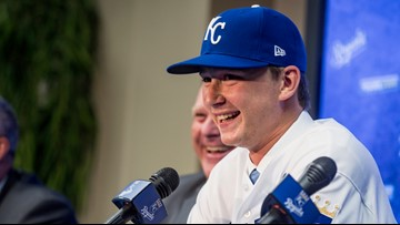 Kansas City Royals prospect Brady Singer pays off parents' debt for Christmas