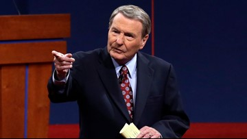 Longtime PBS NewsHour anchor Jim Lehrer dies at 85