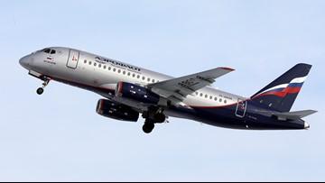 Passenger who smuggled fat cat onto plane docked 400,000 flyer miles