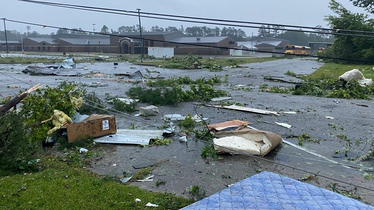 8 children in camp van among 13 lives lost to Claudette