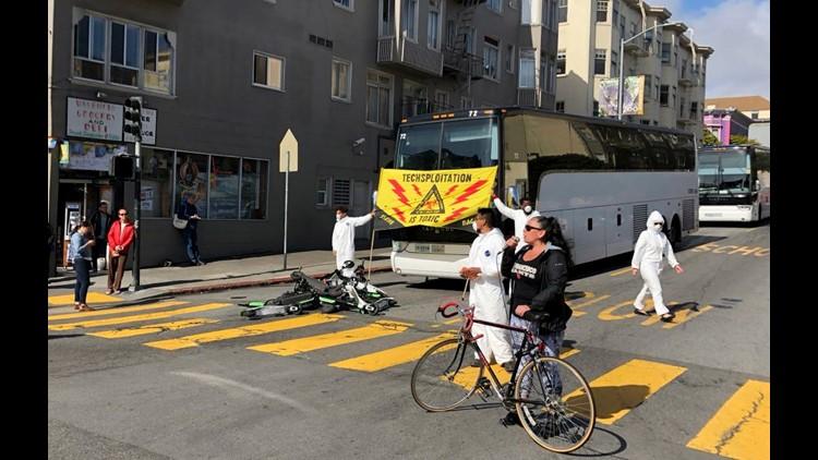 AP SAN FRANCISCO TECH BUS PROTEST A USA CA