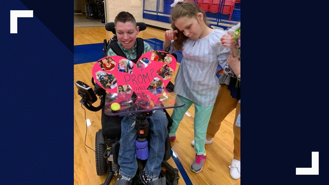 Sweet Promposal: Midway student with special needs pulls out all stops to ask life-long friend to prom