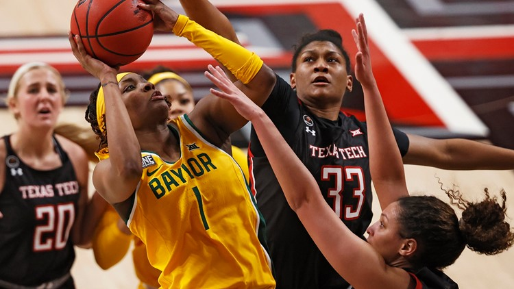 Smith shines, Richards leaves Lady Bears win with injury
