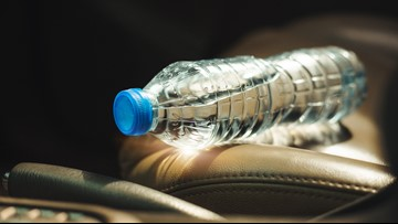 VERIFY: Can a water bottle start a fire in a hot car?