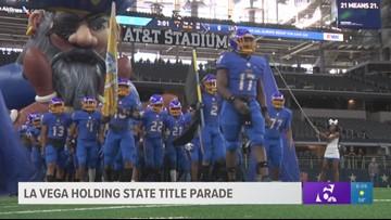 La Vega celebrates state title with parade