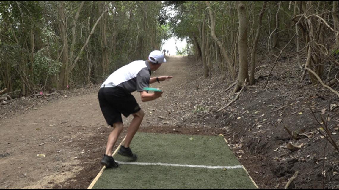 Belton community builds new disc golf course