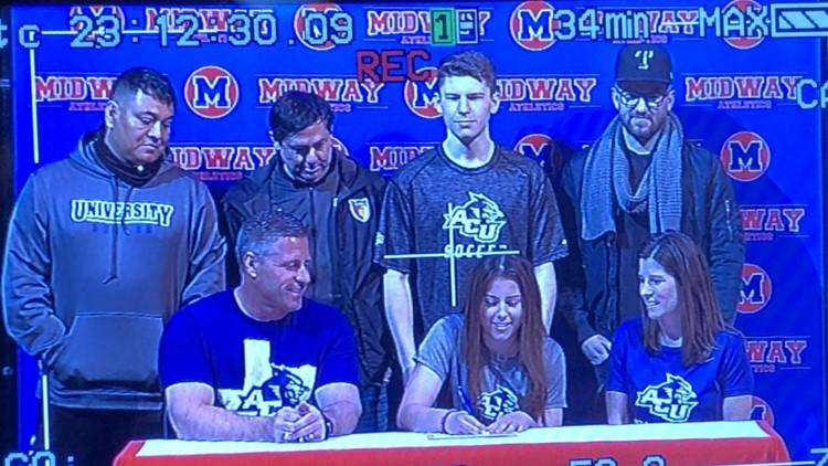 Samantha Brown signs with Abilene Christian University