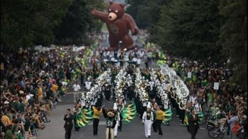 Floats, bands, balloons! 109th annual Baylor University Homecoming Parade in Waco