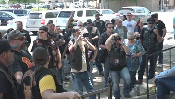 Texas bikers hold Twin Peaks memorial