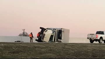 Overturned vehicle near Bruceville-Eddy causes delays on I-35