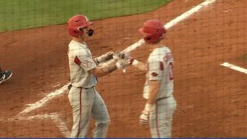 #4 Arkansas drills five home runs, #19 Texas A&M drops series opener