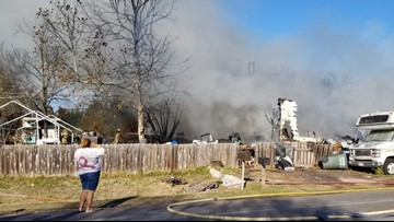 8 people displaced after 3 houses catch fire in Belton