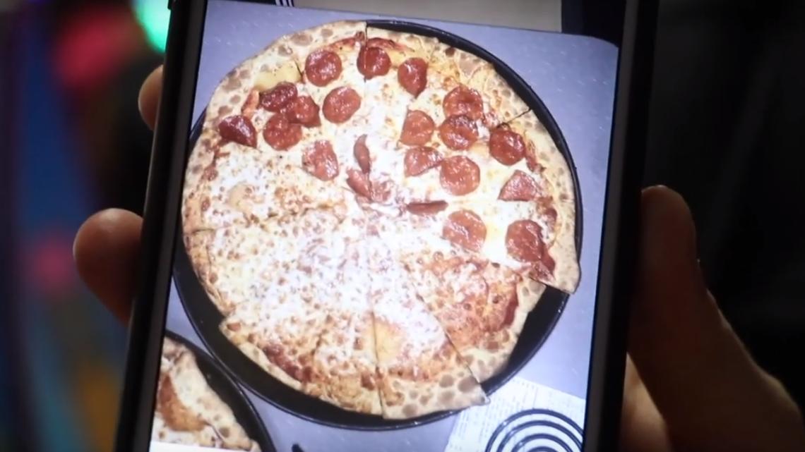 chuck e  cheese u0026 39 s denies serving leftover pizza slices