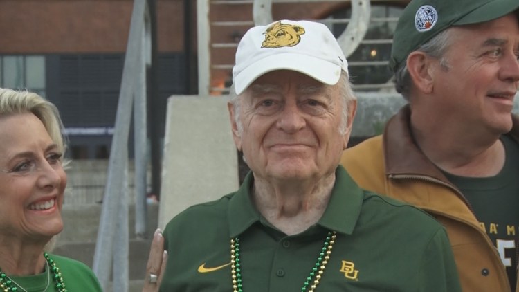 73 years of dedication: Baylor fan and former students watches Bears win first championship