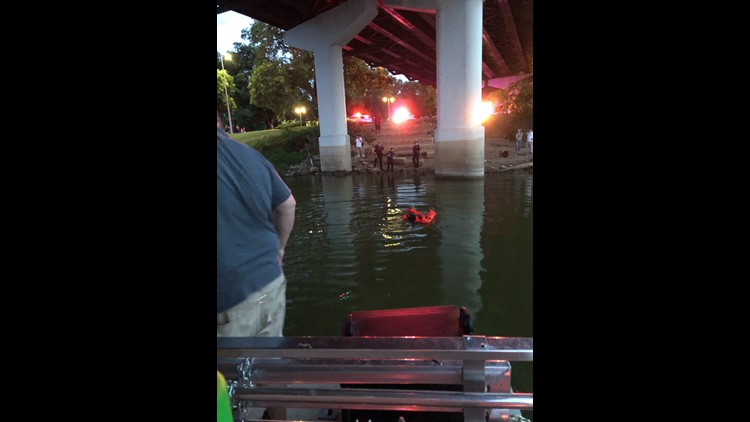 Waco River Safari workers save woman in Brazos River