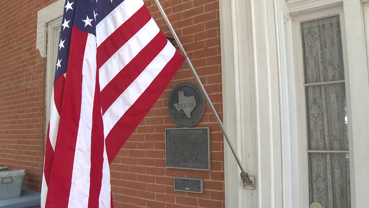 Daughters of the American Revolution, Historic Waco Foundation celebrate Flag Day