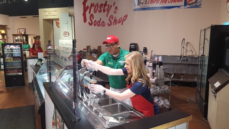 Rolando, Meagan make fresh Diet Dr. Pepper in Frosty's Soda Shop