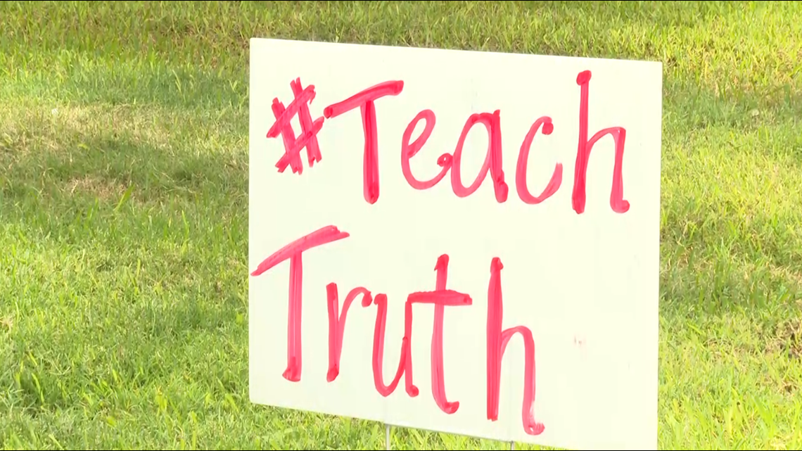 Rally held to oppose Texas House Bill 3979 in Belton