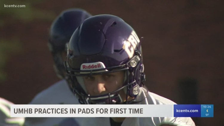 UMHB practices in pads for first time in fall camp