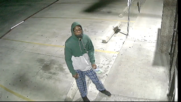 Man's attempt to break into Killeen convenience store by throwing rock at window fails miserably