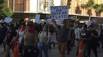 After peaceful protests, rioters confront police, vandalize downtown San Antonio