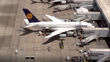 Passenger dies on board plane en route to Houston airport