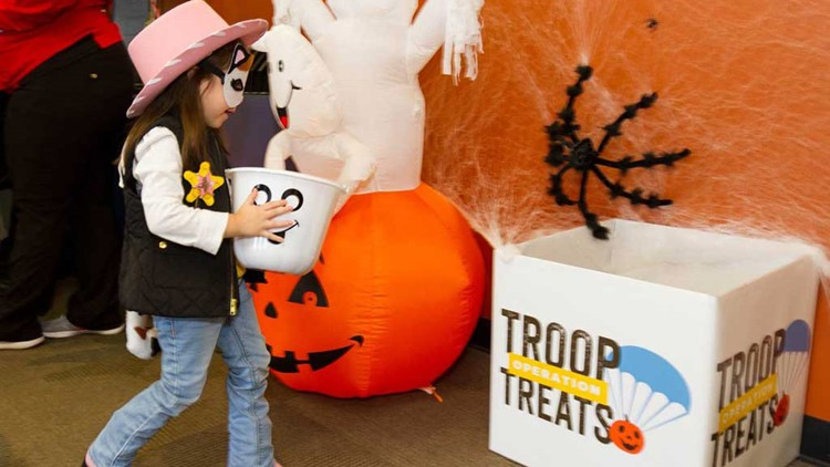 troops treats child_1541102405516.jpg.jpg