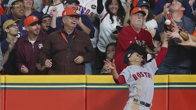 Reaction to the controversial call on Altuve's hit in Game 4 of ALCS