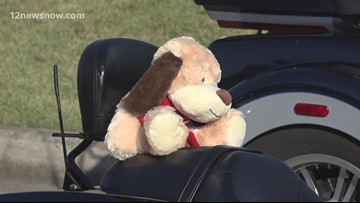 Bikers deliver 1,000 teddy bears to children in hospitals across Southeast Texas
