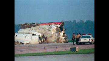 Passenger describes surviving United Flight 232 crash that killed 112 people