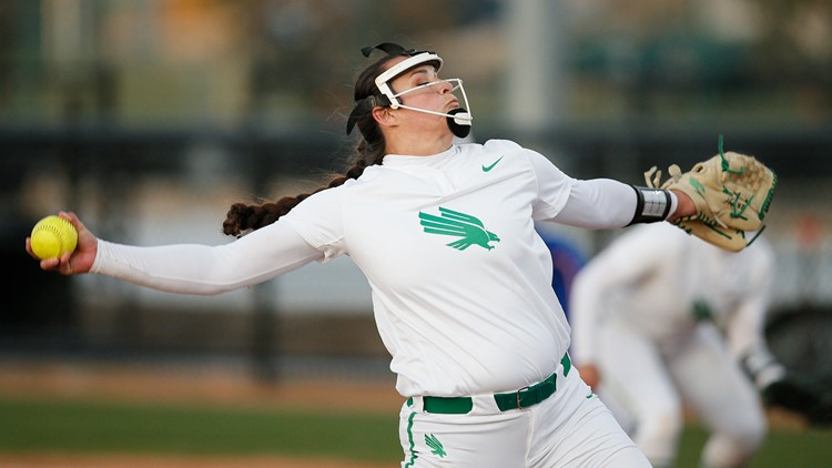 North Texas softball pitcher Hope Trautwein strikes out all 21 batters in perfect game