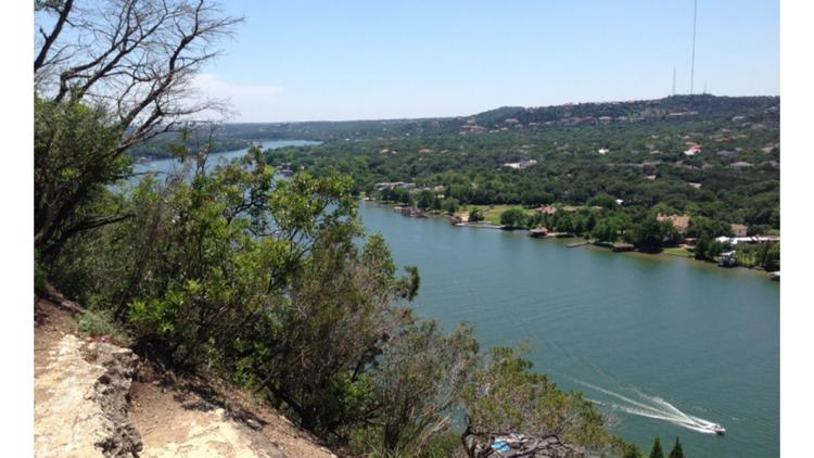 Bill allowing Lake Austin shoreline properties to 'secede' from City of Austin passes in Texas Senate