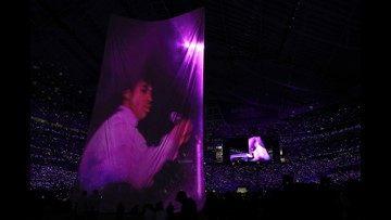 Why Prince fans are bashing Justin Timberlake's Super Bowl halftime performance
