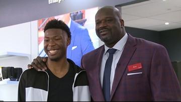 Shaquille O'Neal surprises Dallas high school senior, helps him pick new wardrobe