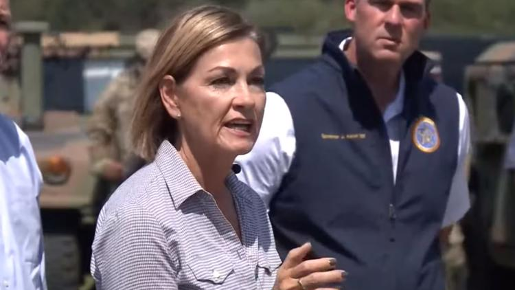 Gov. Reynolds, other Republican governors hold press conference at US-Mexico border