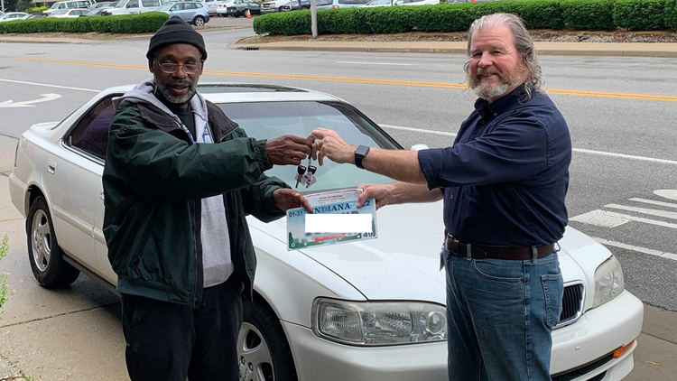 Car donated to veteran who wakes up at 3 a.m. every day to ride bus to work